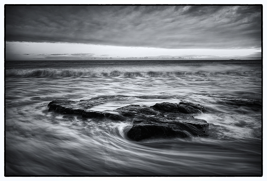 Bamburgh Rock 2 Mono (blue tone 1)